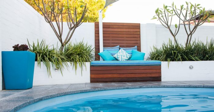 5 Ways to Add Colour to Your Outdoor Space